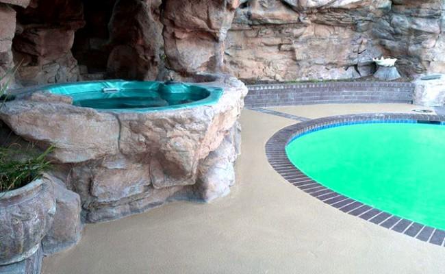 swimming-pool-deck